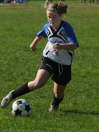 Peabody:<br /> Peabody's Lauren Wolfe handles the ball during the Peabody vs Lynn U14 game during the Peabody Youth Soccer's annual Columbus Day Tournament at Kennedy School fields.<br /> Photo by Ken Yuszkus/Salem News, Monday, October 10, 2011.