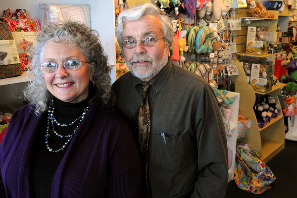 Beverly:<br /> Don and Janice Preston, owners of Casa de Moda, marked their 40th anniversary of Casa de Moda this year.<br /> Photo by Ken Yuszkus/Salem News, Monday, December 28, 2009.