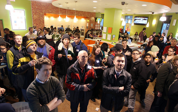 Salem: People packed into Orange Leaf in Salem watch a game demonstration for the Point Neighborhood Community PlanIt Game on Friday afternoon. David Le/Salem News