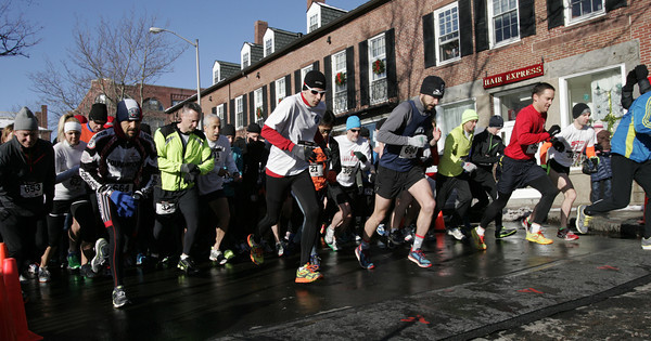 Salem:<br /> The start of the 6th annual Wicked Frosty Four Road Race.<br /> Photo by Ken Yuszkus/The Salem News, Tuesday, January 1, 2013.