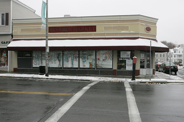 Beverly:<br /> The former Bell Market at 206 Cabot Street in Beverly.<br /> Photo by Ken Yuszkus/The Salem News, Wednesday, January 16, 2013.