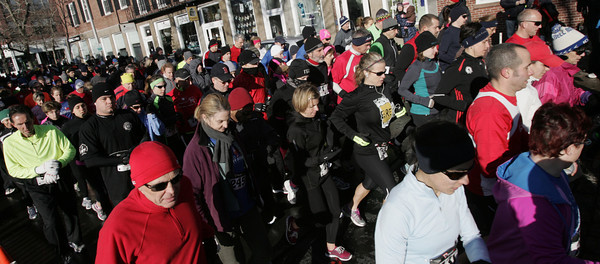 Salem:<br /> Hundreds of runners start their run at the 6th annual Wicked Frosty Four Road Race.<br /> Photo by Ken Yuszkus/The Salem News, Tuesday, January 1, 2013.