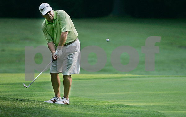Boxford: Cy Kilgore of Tedesco Country Club putts on the 2nd hole, during the North Shore Amateur Championship held at Far Corner Golf Club. Photo by Mark Lorenz/Salem News August 19, 2008
