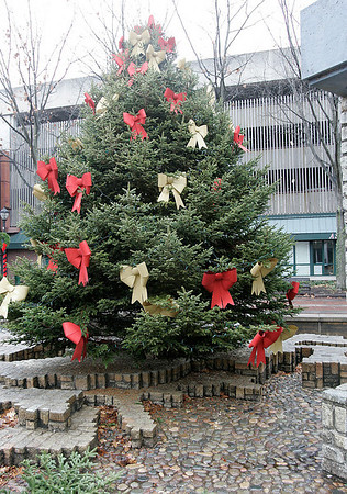 Salem: Christmas tree on Museum Place Mall. Photo by Mark Lorenz/Salem News