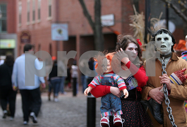 Salem: Halloween scenes in Salem along Pedestrian Mall. Photo by Mark Lorenz/Salem News