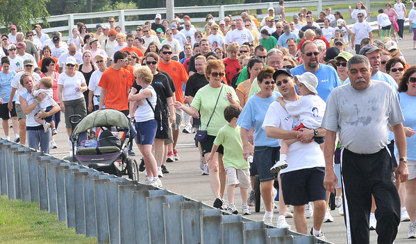 Salem:  The road from the Salem Willows is packed with North Shore Cancer Walk participants.  photo by Mark Teiwes / Salem News