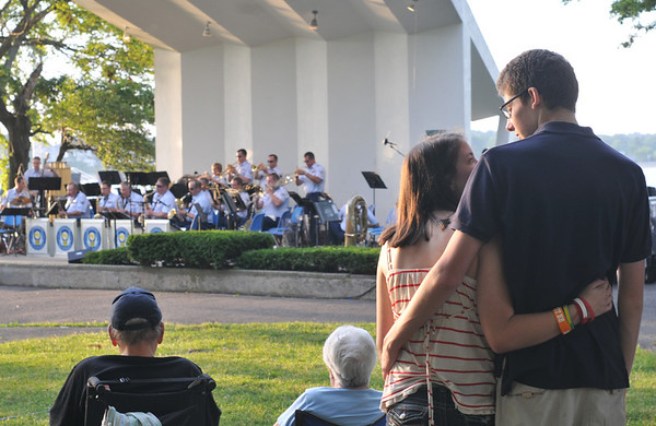 "Salem: Nicki Hayden and Chris Cyrus, right, sway to Glenn Miller's song ""In The Mood"" played by Air National Guard Band Concert at the Salem Willows.  photo by Mark Teiwes / Salem News"