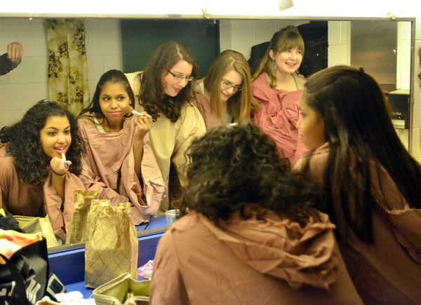 "Salem: From left, Scarlett Gonzalez, Lishbeht Ramos, Hannah Morin, Sara Hammond, and Lauren Goff get ready backstage for Salem High School's musical ""Just So.""   photo by Mark Teiwes  / Salem News"