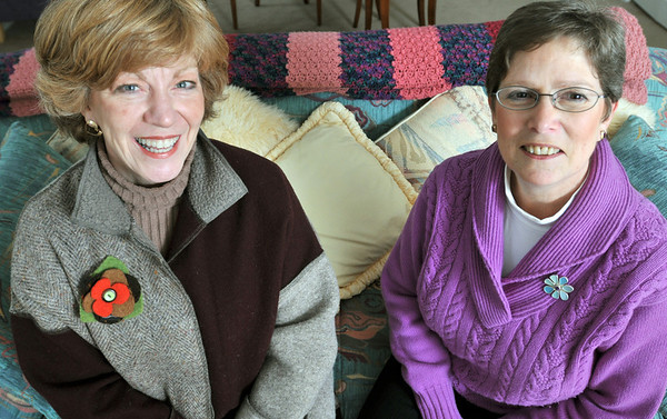 Marblehead: Lou Ann Daly of Marblehead, left, and Lynn Potoff of Salem and are celebrating 10 years in business together.  photo by Mark Teiwes  / Salem News