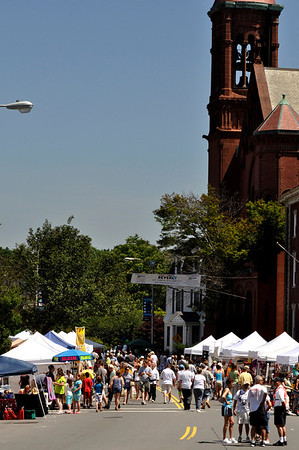 Beverly:  Cabot street is filled with music, vendors, and performers for Arts Fest Beverly.  photo by Mark Teiwes / Salem News