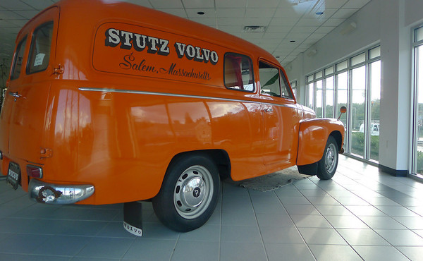 Salem: Stutz Volvo on Highland Avenue has closed.  photo by Mark Teiwes / Salem News
