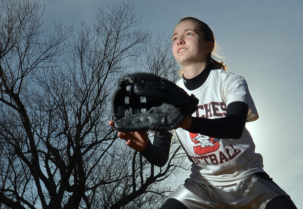 Salem: Salem High School girls softball short stop Julia Jennings.   photo by Mark Teiwes / Salem News