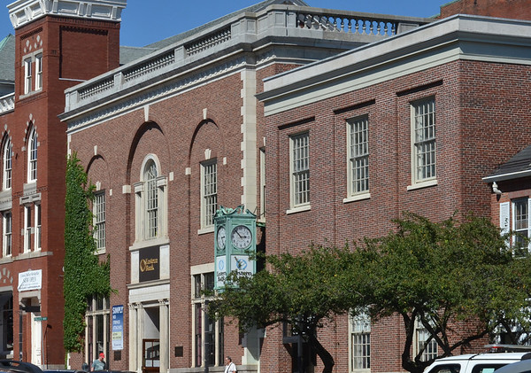 Salem: 125 Washington Street, Salem.  photo by Mark Teiwes /  Salem News