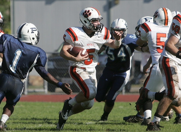 Peabody: Beverly's Dom Abate finds a gap in the Peabody defense. photo by Mark Teiwes / Salem News