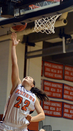 Salem: Salem State's Beanna Comeau makes a layup during Thursday's game against Plymouth State.  photo by Mark Teiwes / Salem News