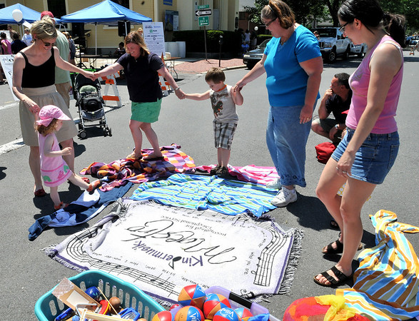 Beverly:  Kids and adults  dance during Arts Fest Beverly.  photo by Mark Teiwes / Salem News
