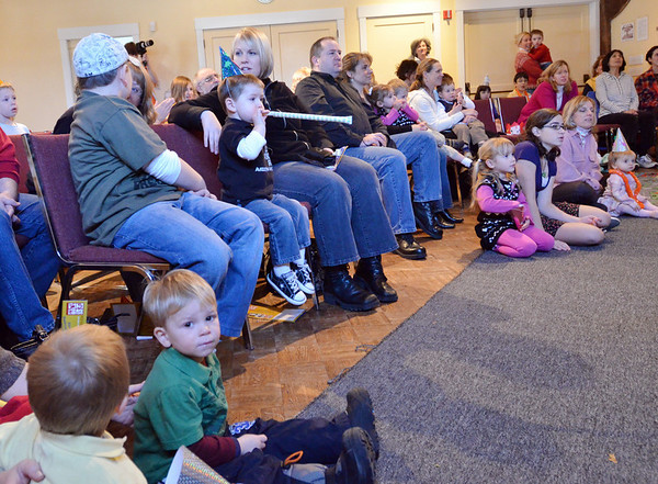 Wenham: Families enjoy the music of Chris Shailor and The New Year Band at the Wenham Museum. photo by Mark Teiwes  / Salem News