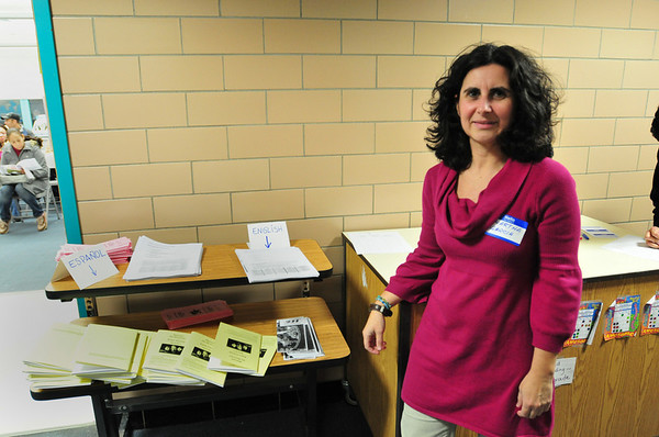 Salem: Marta Garcia, a ESL teacher at the Bentley School helped host a night for parents of children who are English language learners.  She also has two bilingual daughters at the school. photo by Mark Teiwes / Salem News