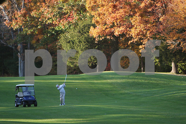 Peabody: Ray Manninen aims his shot at the 18th hole during a round of golf at Salem Country Club in Peabody on Monday. Manninen currently lives in Ipswich, but grew up in Peabody. Photo by Matt Viglianti/Salem News Monday, October 27, 2008