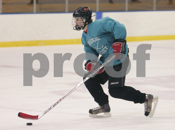 Salem: Marblehead junior Anders Gundersen skates up the ice during practice with the Headers on Tuesday night in Salem. Photo by Matthew Viglianti/Staff Photographer Tuesday, February 10, 2009.