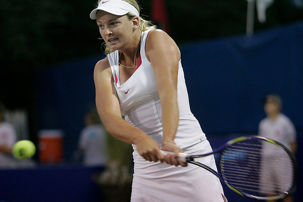 Middleton: Coco Vandeweghe returns a shot while playing with the Boston Lobsters of World Team Tennis in a match against Chanelle Scheepers of the Springfield Lasers at the Sheraton Ferncroft in Middleton on Tuesday night. Photo by Matthew Viglianti/Staff Photographer Tuesday, July 13, 2010.
