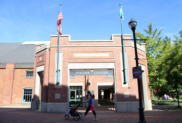 Salem: In the event of a national government shutdown tomorrow, the Salem Visitor Center will close. Thousands of tourists pass through here each October as Halloween crowds flock to the City. David Le/Salem News