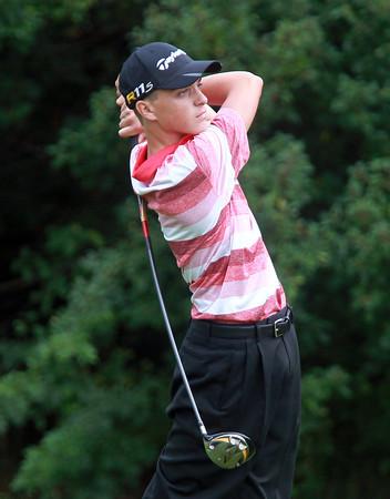 Salem: Salem High School junior Kyle Doherty tees off on the 4th hole against Gloucester on Tuesday afternoon. David Le/Salem News