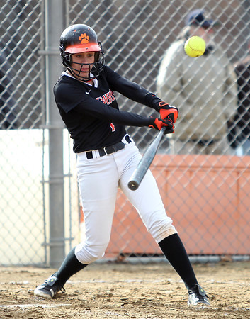 Beverly shortstop Hannah Silvestri (1).  DAVID LE/Staff photo. 4/17/14