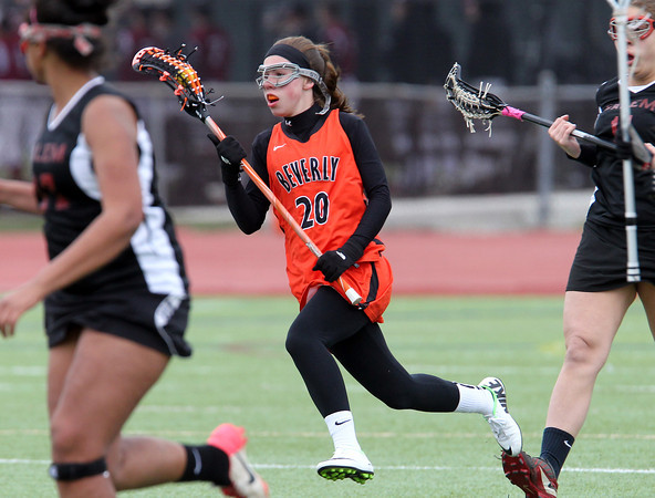 Beverly freshman midfielder Amanda Rosenberger (20) sprints upfield against Salem on Wednesday afternoon. DAVID LE/Staff photo. 4/30/14