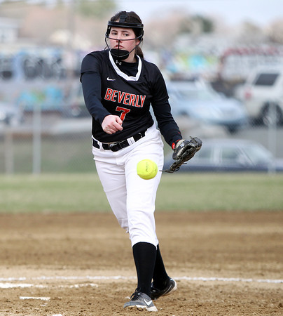 Beverly starting pitcher Emily Pitman (7) delivers a pitch against Malden at Innocenti Park in Beverly on Thursday afternoon. DAVID LE/Staff photo. 4/17/14