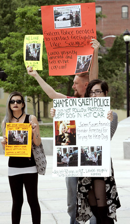 KEN YUSZKUS/Staff photo    Loreiei's supporters protest outside of Salem District Court .  08/16/16