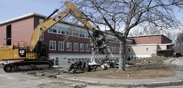 KEN YUSZKUS/Staff photo.    Demolition of Memorial Building in Beverly begins.      2/29/16