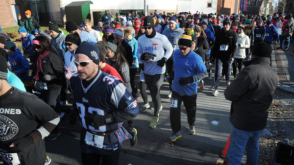 Ken Yuszkus/Staff photo: Salem: The start of the seventh annual Frosty Four 4-mile road race in Salem.
