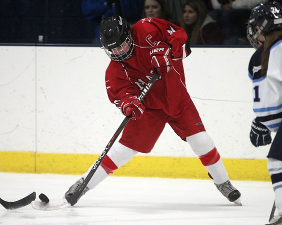 Peabody: Masco captain Dana Valletti (10) takes a shot from outside the face-off dot against Peabody on Wednesday afternoon. DAVID LE/Staff Photo
