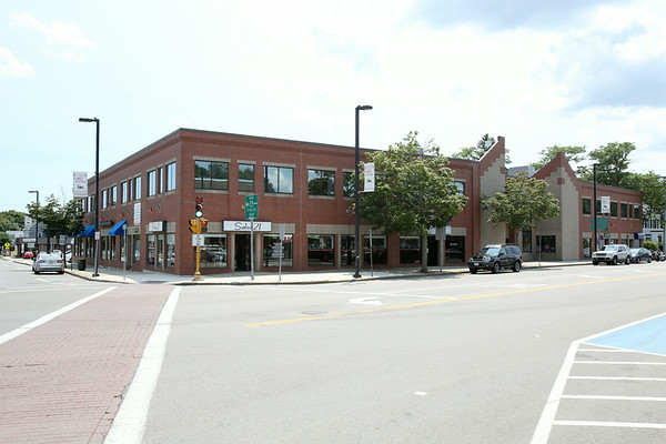 KEN YUSZKUS/Staff photo.  The Atrium building at 18-26 High Street in Danvers.  7/18/14