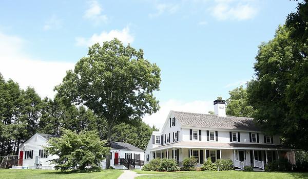 The Clark School located at 487 Locust Street in Danvers. DAVID LE/Staff photo. 7/28/14.