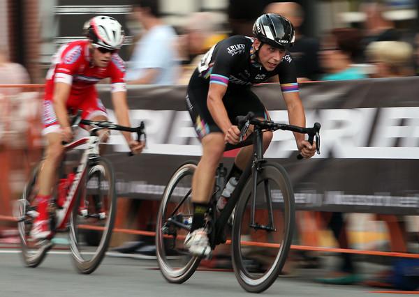 DAVID LE/Staff photo. Two Men's Elite Racers. 7/29/15.