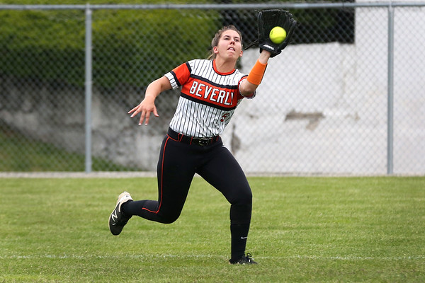 HADLEY GREEN/ Staff photo<br /> Beverly's Jackie Pia makes a catch in outfield at the Beverly v. Billerica Division 1 North first round playoff game at the Innocenti Field in Beverly. 6/03/17