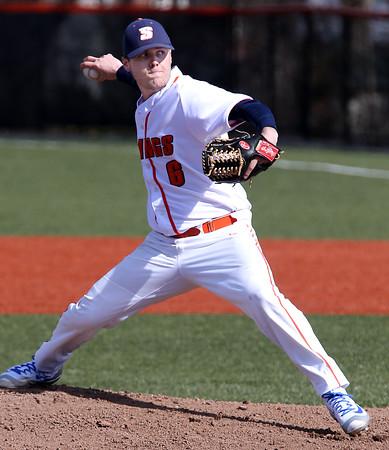 KEN YUSZKUS/Staff photo.     Salem's pitcher Will Twiss on the mound during the Brandeis at Salem State baseball game.  03/30/16