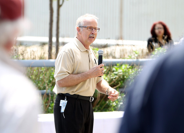 Project Director Bob Svenson, of NAES thanks the workers at the Salem Power Plant during a final worker barbecue on Thursday afternoon. David Le/Staff Photo. 5/16/14.