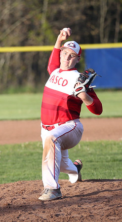 HADLEY GREEN/ Staff photo<br /> Masco's David Hunter pitches at the Swampscott v. Masco boys baseball game at Swampscott Middle School. 5/12/17
