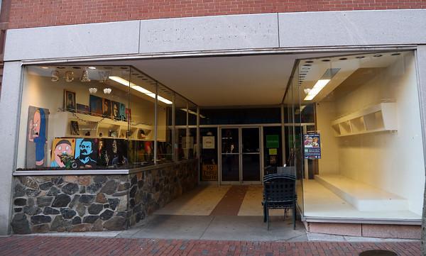 DAVID LE/Staff photo. 179 Essex Street in Salem. 11/18/16