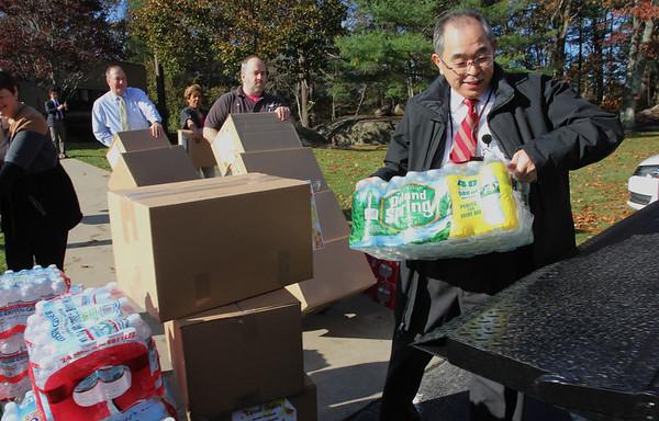 JEOL USA collected food