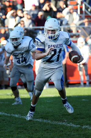 HADLEY GREEN/Staff photo<br /> Danvers' Colby Holland (21) runs with the ball at the Beverly v. Danvers football game at the Hurd Stadium in Beverly. 10/14/17