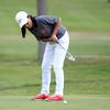 Beverly senior golfer Sarah Daley putts. DAVID LE/Staff photo. 9/18/18.