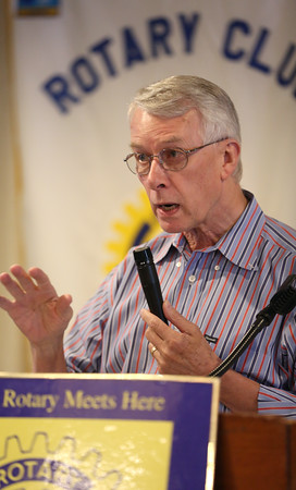Sir Richard Roberts speaks at Rotary Club meeting on good GMOs