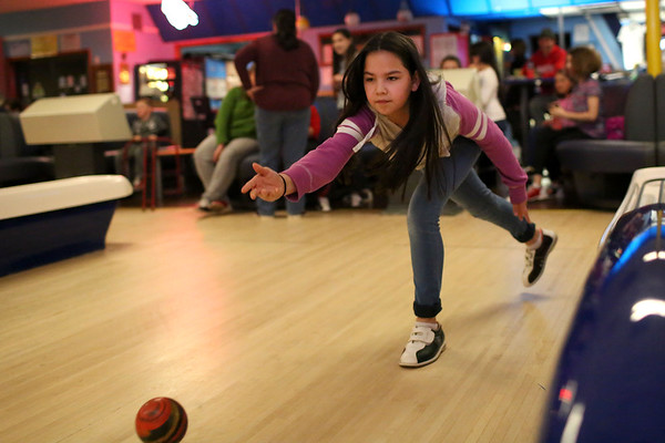 HADLEY GREEN/ Staff photo<br /> Phoebe Ting of Wenham bowls at Sunnyside Bowladrome in Danvers on Friday, April 21st, 2017.