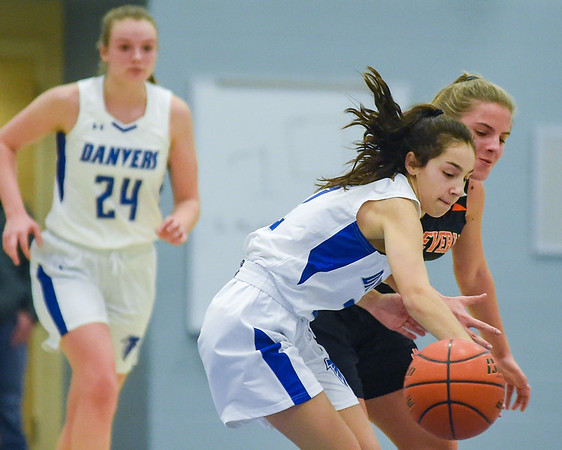 Beverly vs Danvers girls basketball