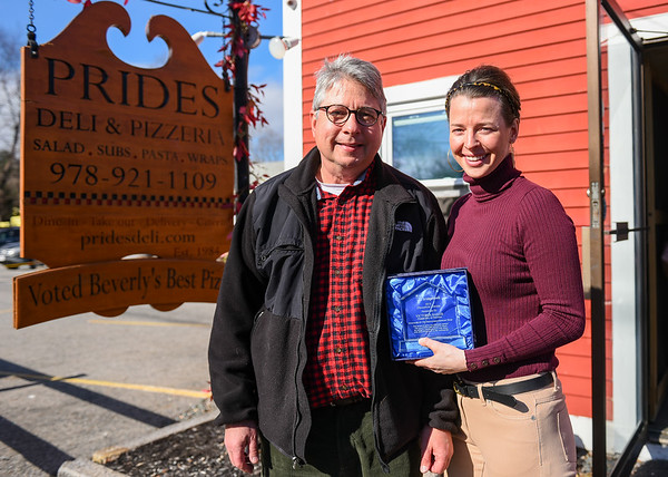 Victoria Baker of Prides Pizza receives Bridgewell award