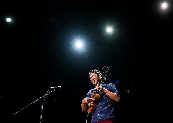 Jake Shimabukuro to host youth ukulele workshop